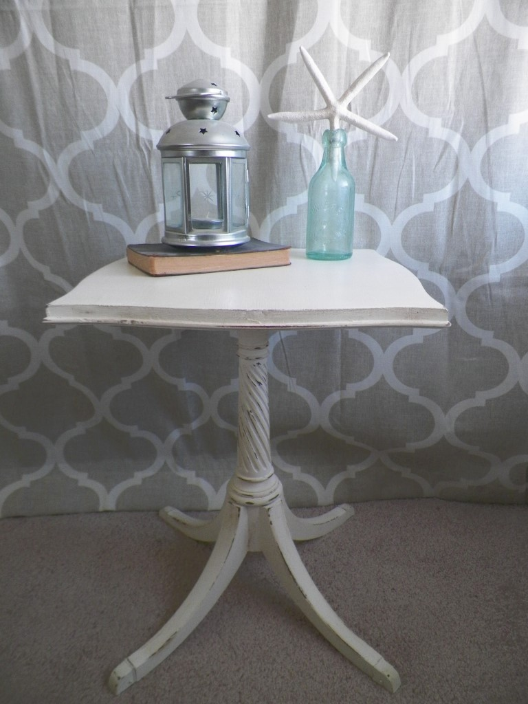 accent-table-hand-painted-full (Medium)