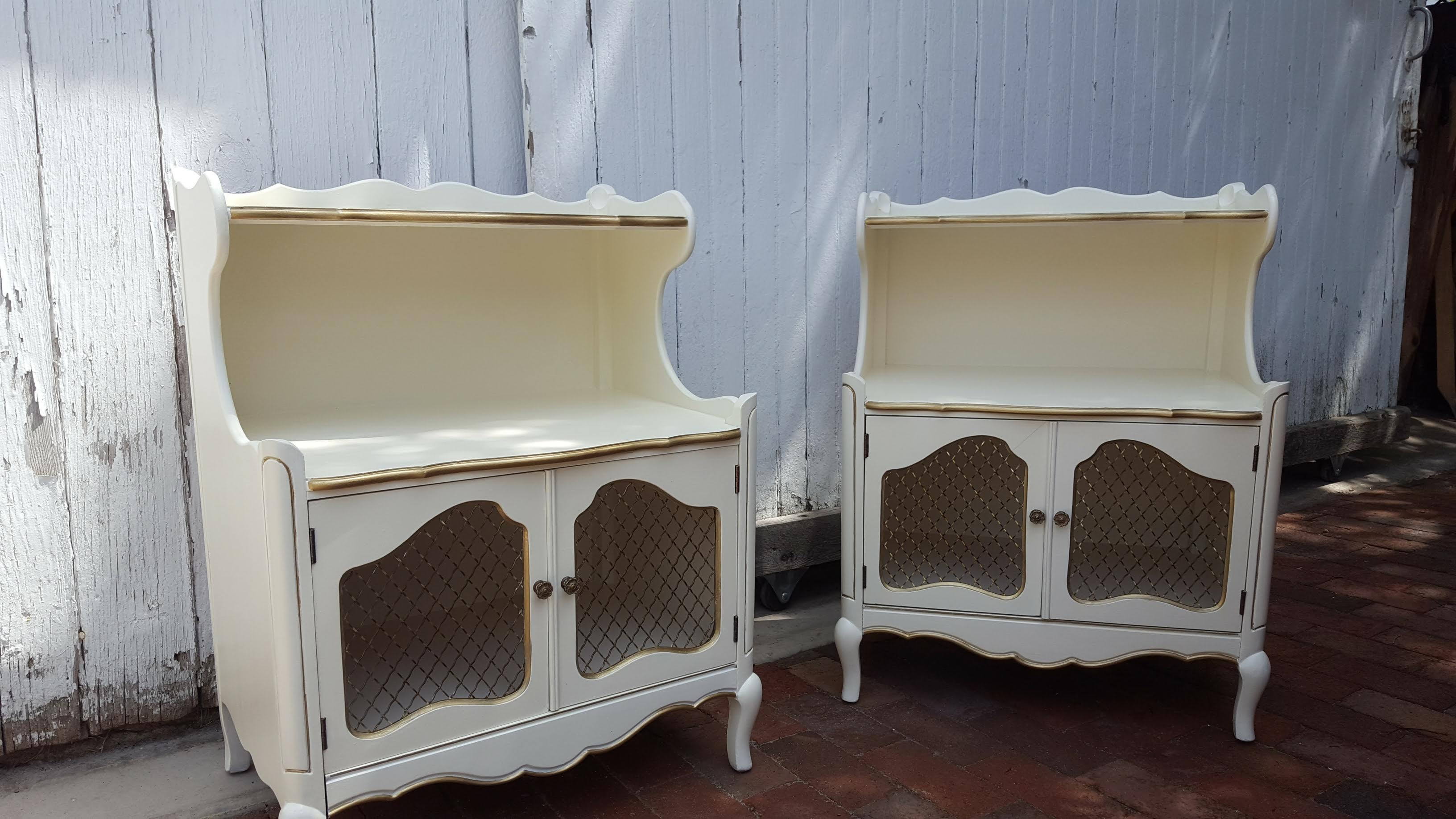 gold and cream bedroom set